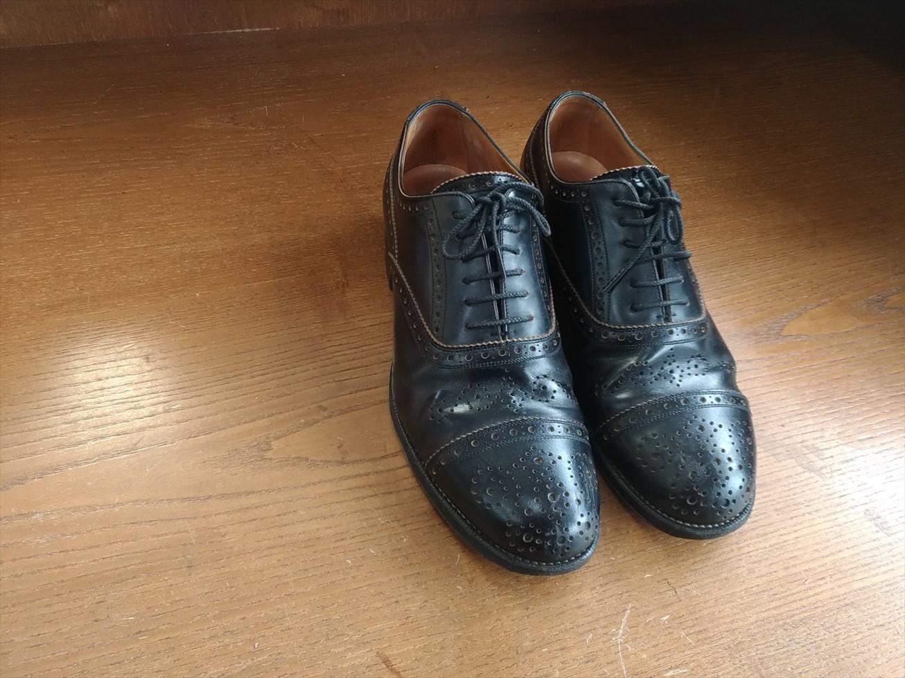 フットザコーチャー革靴